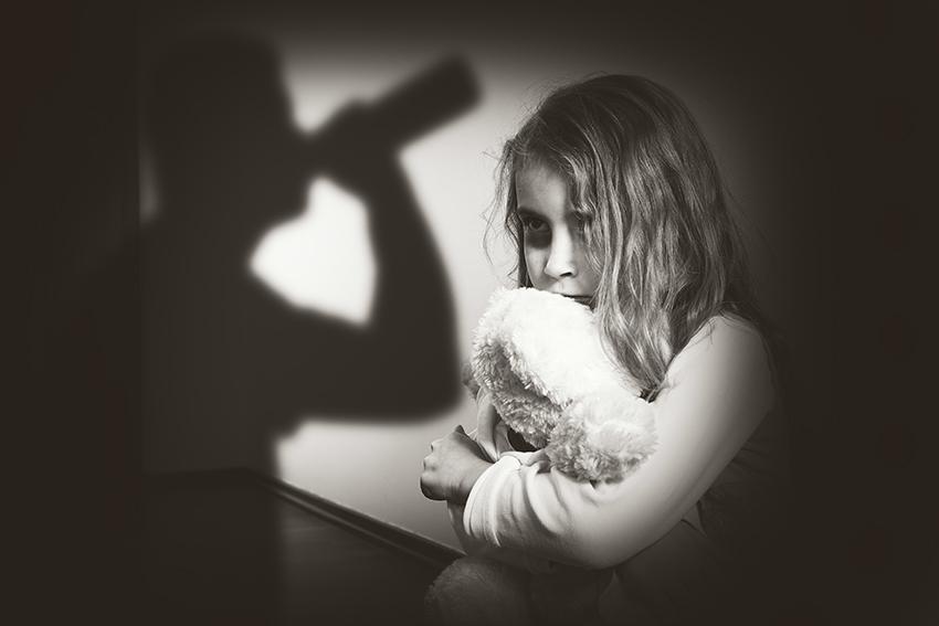 mon-ex-père-mere-alcoolique-drogue-frappe-maltraite-radicalise-vole-enfant-fils-fille-droit-de-garde