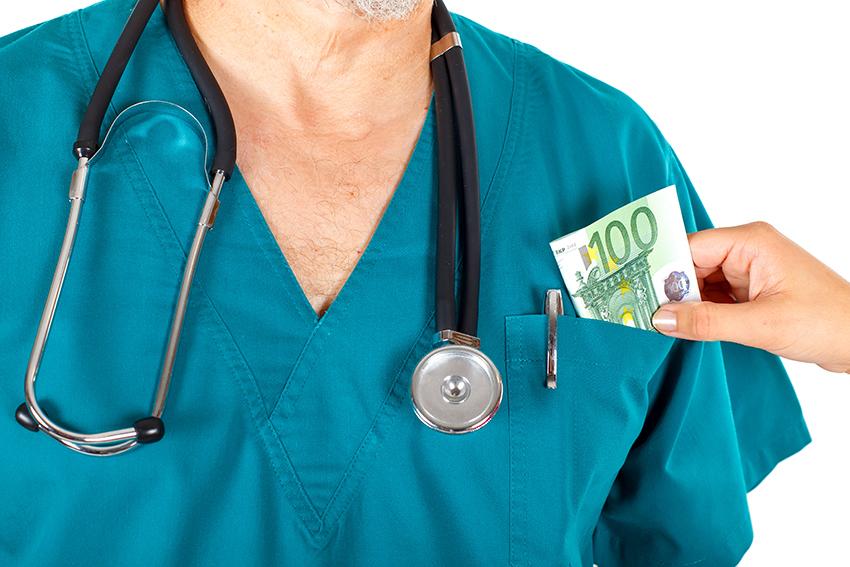 salarie-travaille-pendant-son-arret-maladie-faux-accident-travail-absenteisme